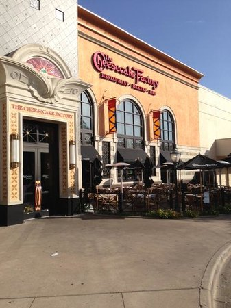 The Cheesecake Factory: Front View2