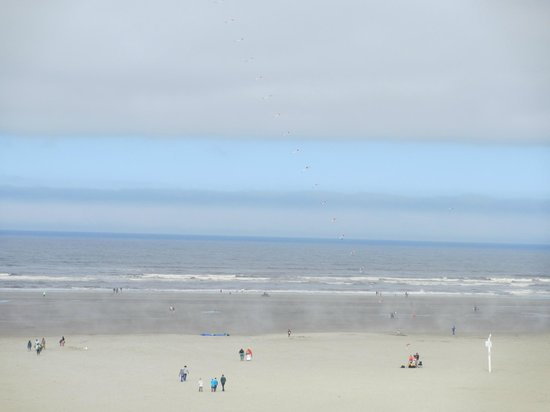 Shilo Inn Suites Hotel - Seaside Oceanfront: Spectacular view from our Shilo 4th floor room