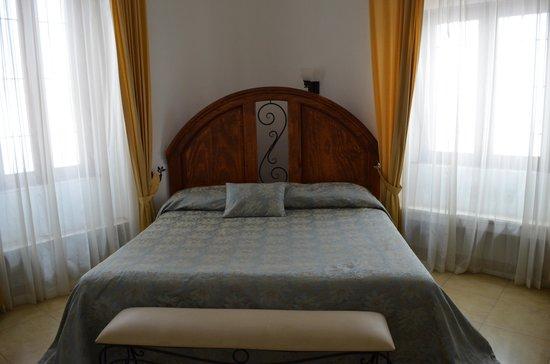 Hotel Acueducto: Nuestra Habitacion con Cama King