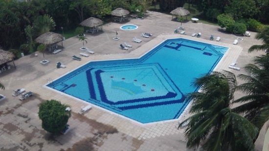 Ramada Belize City Princess Hotel : pool