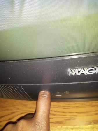 Super 8 Lynchburg VA : RM 103 TV no working remote