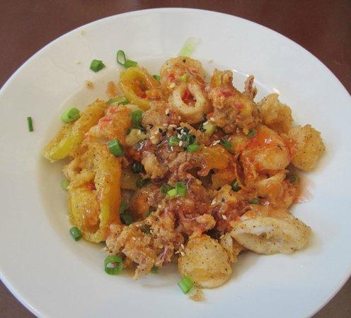 Wahoo! A Decatur Grill: Calamari app