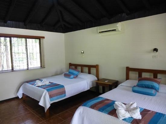 Canon de la Vieja Lodge : 2 iets te kleine 2persoonsbedden