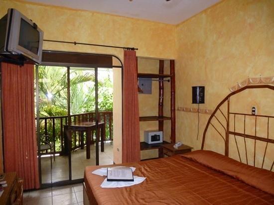 Hotel Giada: Onze kamer met balkon