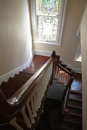 Bisland House Bed and Breakfast: Staircase