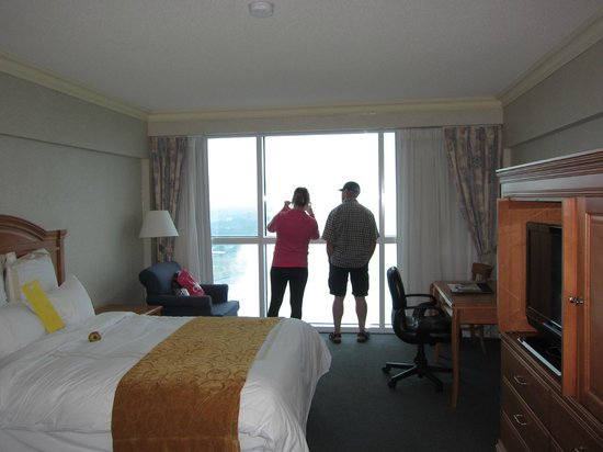 Niagara Falls Marriott Fallsview Hotel & Spa: Comfortable rooms.