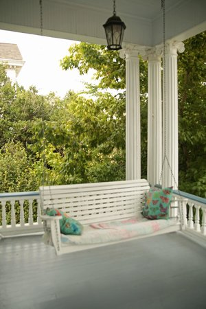 Bisland House Bed and Breakfast: Porch
