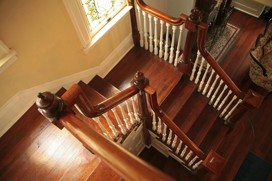 Bisland House Bed and Breakfast : Staircase