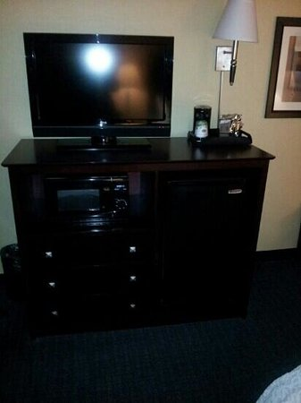 Hampton Inn Rock Hill: tv, microwave, fridge