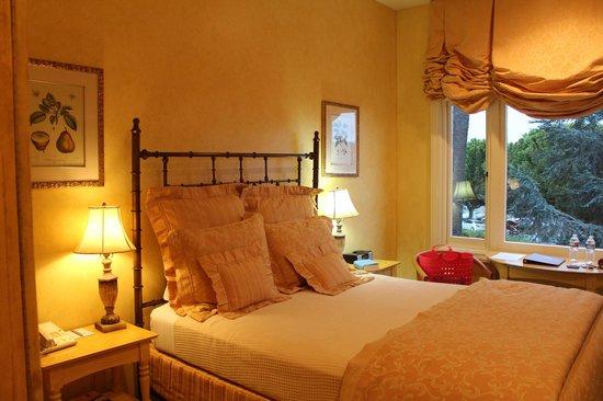 Hotel Sausalito: Room
