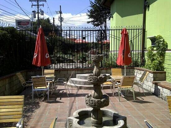Parrillada Rincon Uruguayo: jardines de Rincon Uruguayo