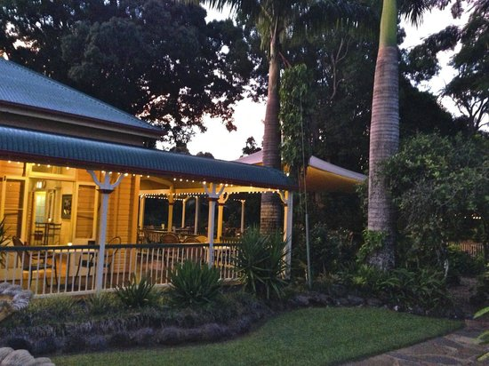 Green Room: Heritage listed restaurant surrounded by tropical gardens