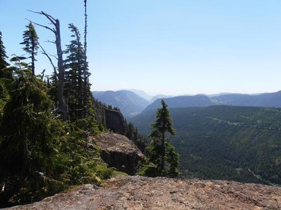Ocean to Alpine Adventure Lodge: Cruikshank Canyon