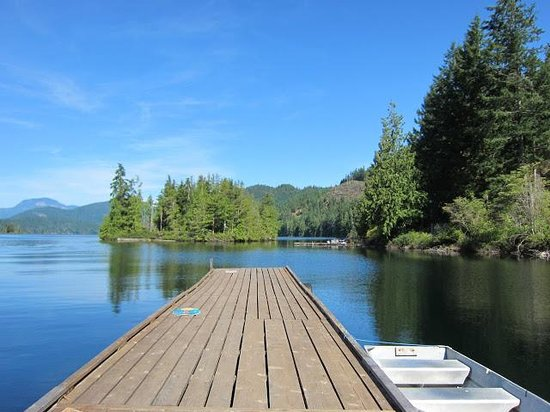 Ruby Lake Resort: The pier on Ruby Lake