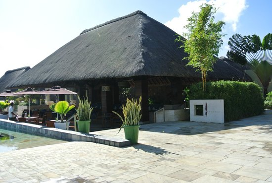 Four Seasons Resort Mauritius at Anahita : Poolside