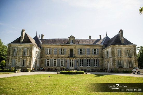 Domaine du Chateau de Mairy : The Front of the Chateau