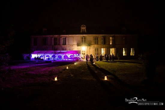 Domaine du Chateau de Mairy : Wedding Reception under the Marquee