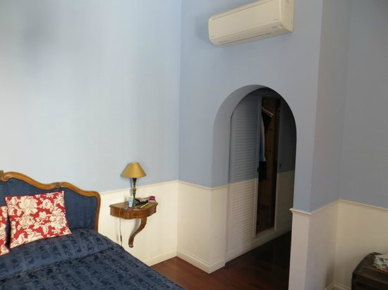 Relais Teatro Argentina : bedroom
