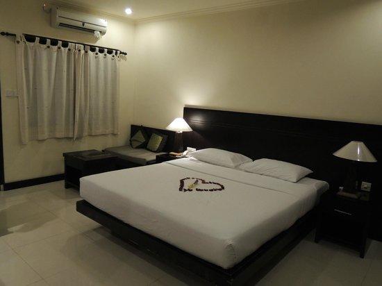 Kakiang Bungalows: 床也很大