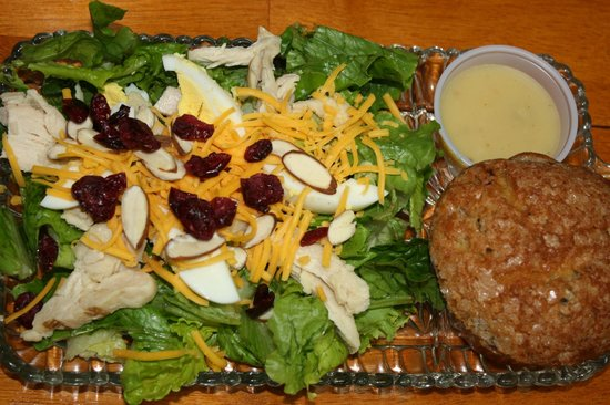 The Flour Sack: Yummy salad & muffin