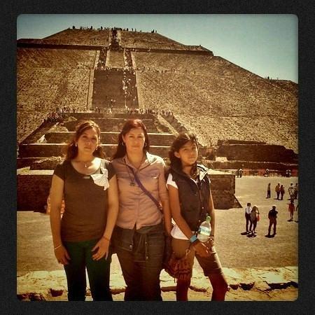 Zona Arqueologica Teotihuacan: pirámide del Sol