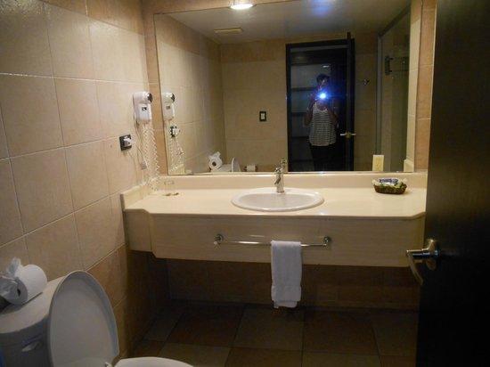 Caribe Club Princess Beach Resort & Spa: one hand towel provided per day