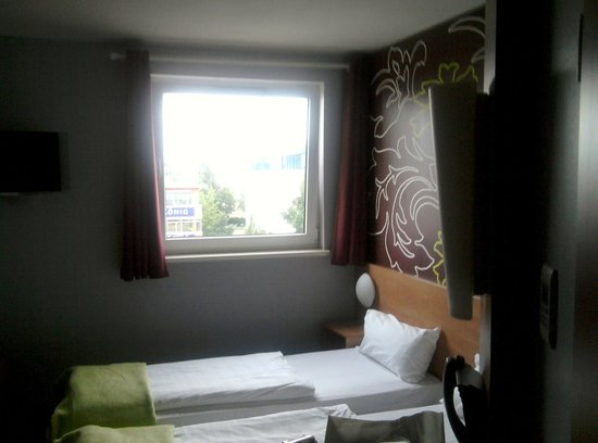 B&B Hotel Muenchen City-Nord: room