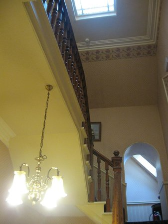 Winston Guest House: Stairwell
