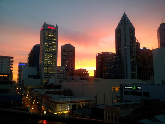 Adina Apartment Hotel Perth, Barrack Plaza : Great Sunset