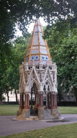 ‪Buxton Memorial Fountain‬