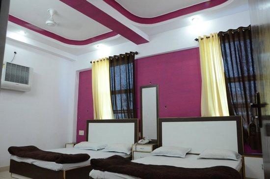 Hotel Anant Plaza: FAMILY ROOM