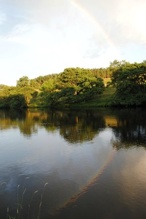 Boat Farm B&B: River Tyne at evening
