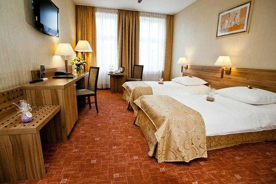 Patio Hotel: Pokój typu twin z dwoma łóżkami / Twin room