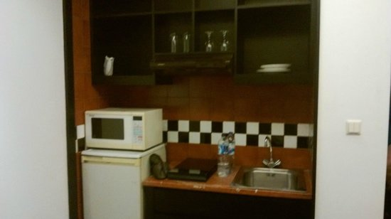 Aston at Kuningan Suites: Kitchen at 1 bed room