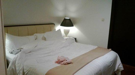โรงแรมเดอะคูนินกัน สวีท: cozy bed room