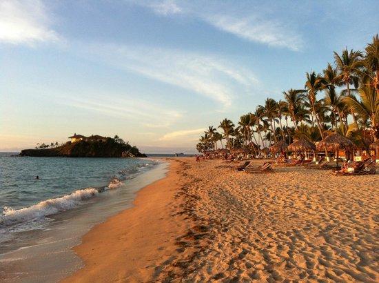 Andilana Beach Resort : resto panoramique et plage