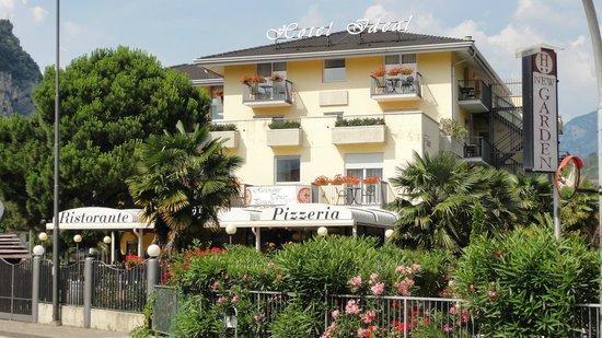 Hotel Ideal: Het hotel