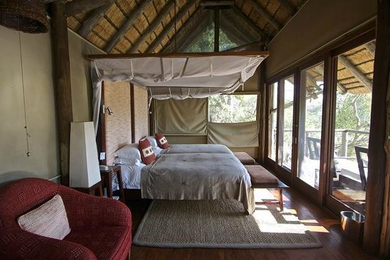 Rhino Post Safari Lodge : Bedroom - Room 4