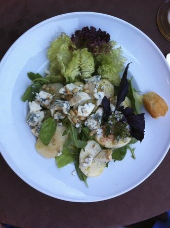 Senieji Rusiai: Pear with blue cheese starter
