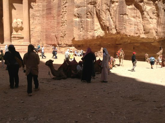 Via Jordan Travel  - Day Tours: Bedoins and tourist in front of The Treasury