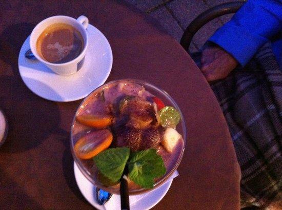 Senieji Rusiai : Strawberry champagne dessert