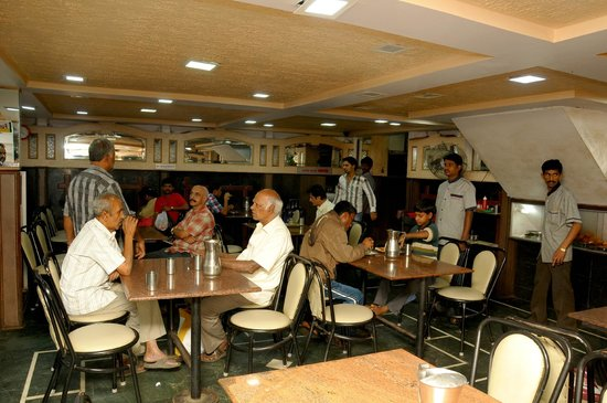 Hotel Ajantha: Ground Floor Service Area