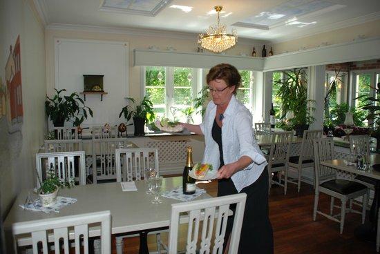 Park Hotel Linkoping Fawlty Towers: Matsalen för frukost och matsal med fullständiga rättigheter.