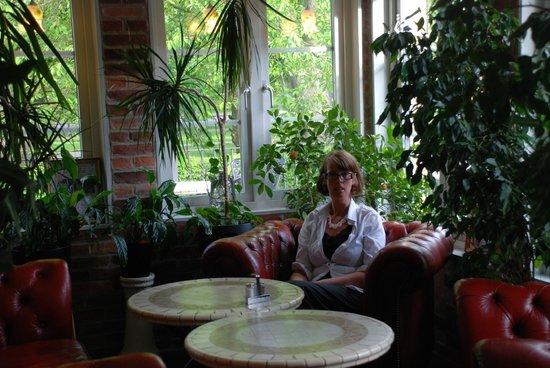 Park Hotel Linkoping Fawlty Towers: Underbar  hörna för afternoontea