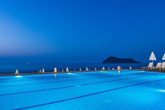 Blue Dome Hotel: Pool Sea View