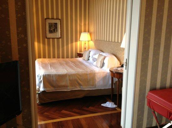 Grand Hotel Vesuvio : le lit king size