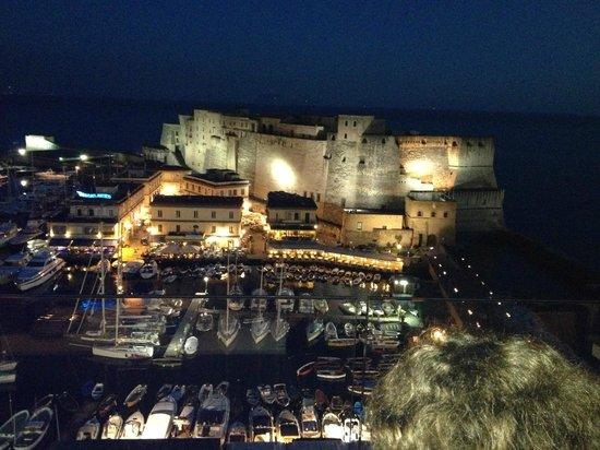 Grand Hotel Vesuvio : vue juste devant l'hotel