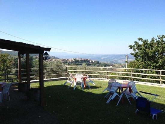 Il Casale di Mario : la vista su Montecchio