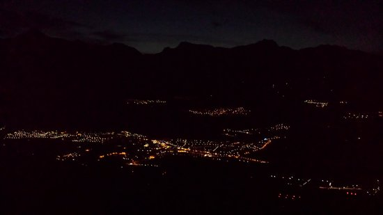 Hotel Chalet Royal: View from the terrace at night!!!