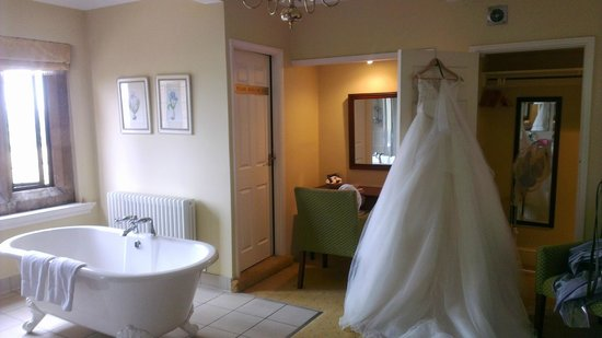 Highgate House Hotel: The Bridal Suite Bathroom